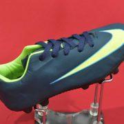 تولیدی کفش فوتبال